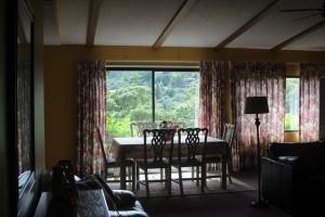 3Bedroom-DiningTable