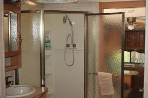 FarmStay-Shower