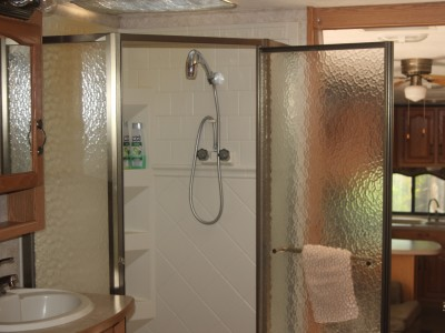 FarmStay-Shower