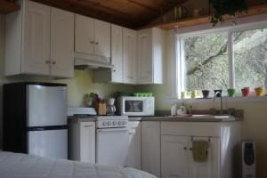 Cottage-Full-Kitchen